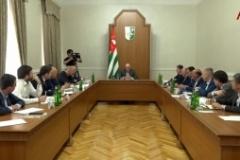 Беслан Эшба на совещании у президента рассказал причину отставания от исполнения плана по собираемости налогов за май